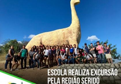 A Escola Municipal José da Costa Medeiros realizou, na última sexta-feira (07), uma excursão pela região Seridó.